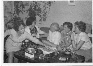 Hedda-Eileen-Omi-Mutti-und-Tante-Anneliese-Celle-1960